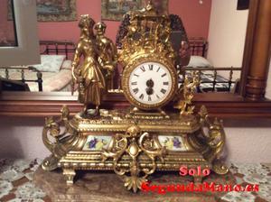 Reloj de sobremesa antiguo, bronce