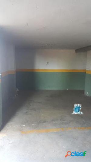 Se alquila plaza de garaje en zona Perú