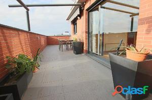 Atico 3 habitaciones con terraza en el centro de Nuevo