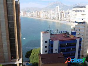 Estudio con vistas al mar y piscina comunitaria