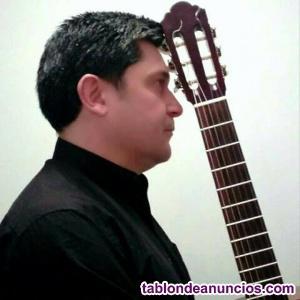 Se ofrecen clases de guitarra