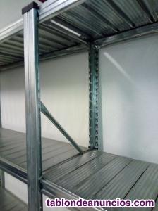 12 metros lineales de estanterías metálicas de alta
