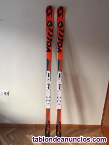 Esquís de competición volkl.