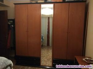 Magnífico armario 5 puertas. Regalo cómoda y espejo
