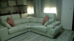 Se vende sofa blanco nuevo sin estrenar