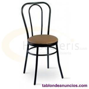 Se venden sillas para hostelería