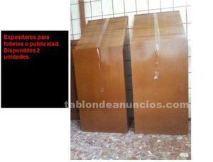 Urge vender expositores de madera para folletos o publicidad
