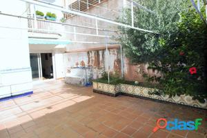 Piso con patio de 50 m2