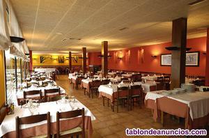 Venta de restaurante con piso y tienda cerca de figueres