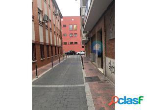 Local Vallecas+45m2 de patio