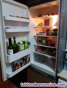Vendo frigorifico combi. Color acero inoxidable