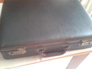 Vendo maletin de ejecutivo gris oscuro con contraseña