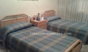 Ocasión dormitorio 2 camas y mesilla