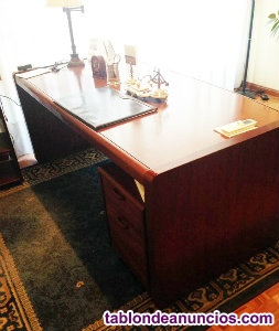 Mesa de despacho y 3 sillones en piel