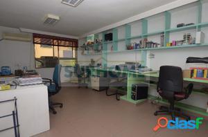 Entreplanta en Pablo Mayayo (Algeciras), ideal para negocio