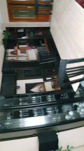 Mueble comedor, 6 sillas y lampara
