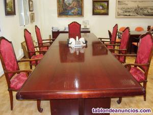 Gran mesa de juntas o reuniones
