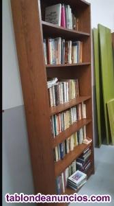 Se vende 2 estanterías de madera (precio por unidad)