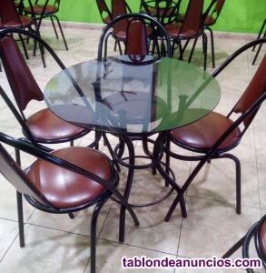 Juego de sillas, mesas y taburetes para bar