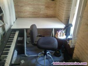 Mesa de dibujo y silla de estudio