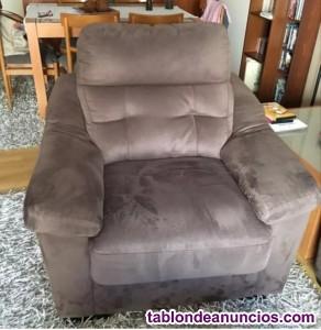 Vendo sofá de tres plazas y sillón individual