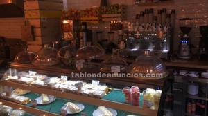 Traspaso bar con cocina y terraza 96m² zona glorieta de