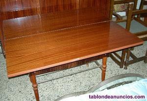 Vendo mesa salon de fumador plegable de madera.
