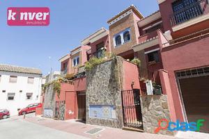 Casa Adosada sita en Calle Morrón del Mediodía, junto