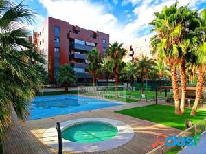 Magnífico ÁTICO con terraza de casi 100 m2 en Residencial