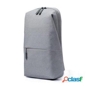 Mochila xiaomi mi city sling bag light grey - capacidad 4