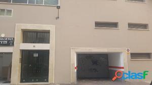 Se vende plaza de garaje en zona Vialia