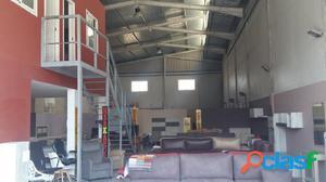 Nave industrial de 400 m2 en Plá Vallonga - Alicante