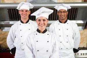se necesita ayudante de cocina (207)