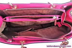 Bolso color fucsia
