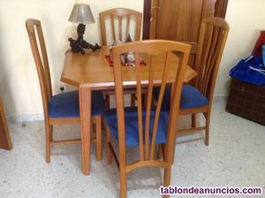 Mesa de nogal +4 sillas