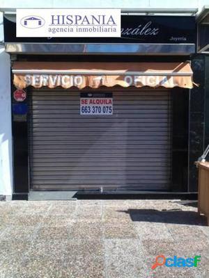 LOCAL COMERCIAL EN ZONA MUY TRANSITADA EN LA AVENIDA DE