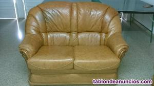 Se vende conjunto de 2 sofás de piel