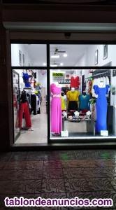 Tienda de moda y complementos en vecindario