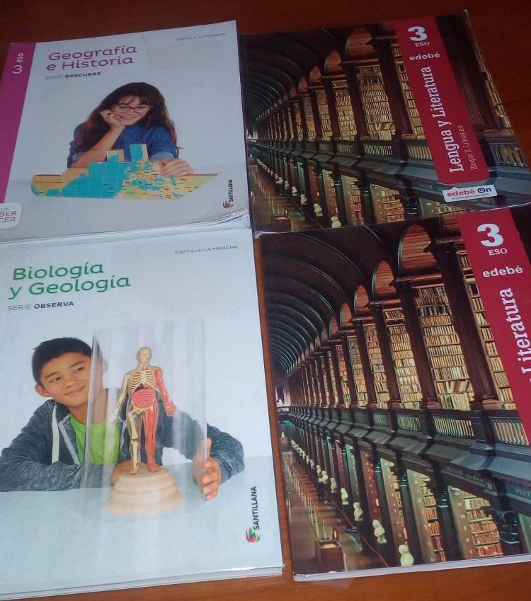 Vendo libros 3º ESO IES Azuer Manzanares