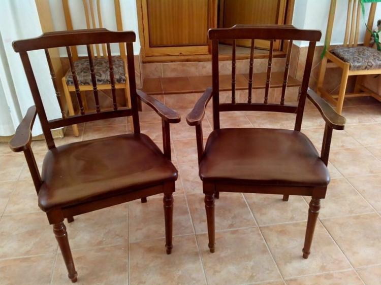 2 sillones antiguos