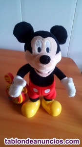Mickey cuenta cuentos y canta