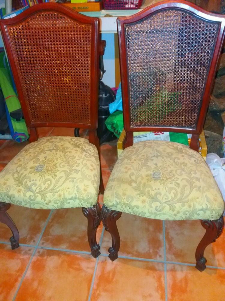 Sillas antiguas en caoba maciza