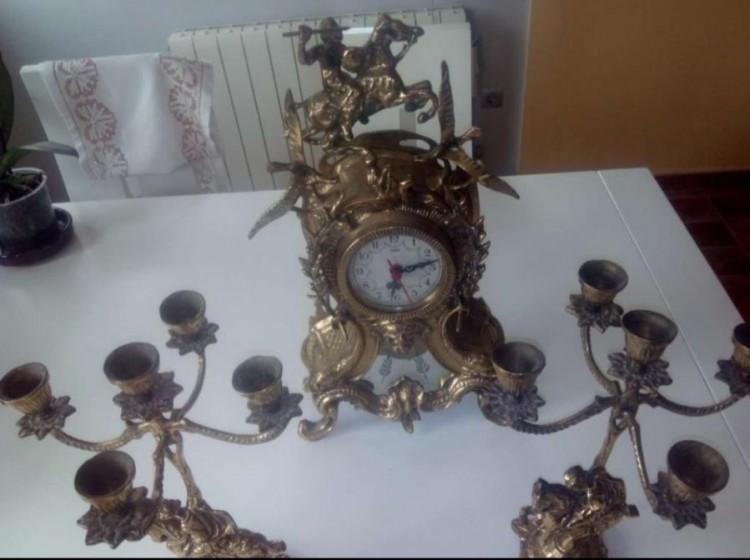Vendo Reloj y 2 Candelabros