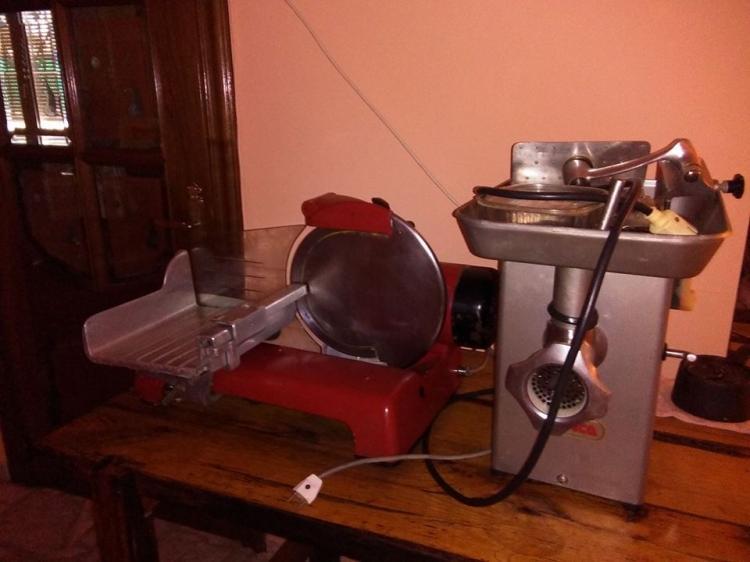 picadora y máquina de hacer rodajas
