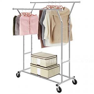 Mobiliario y accesorios tienda de ropa