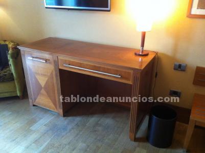 Se vende stock de 100 unidades de mobiliario hotel madera