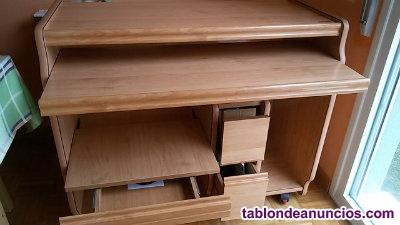 Mesa de madera para ordenador