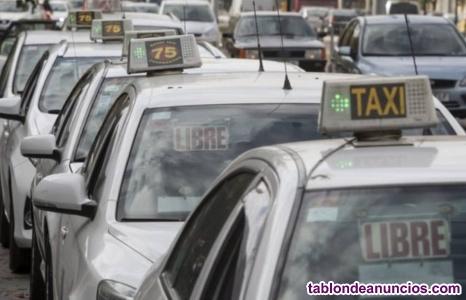 Se vende licencia de taxi con coche