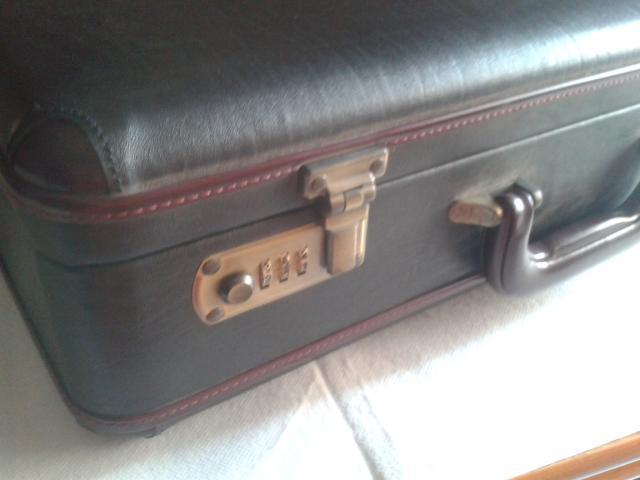 Vendo maletin de ejecutivo gris oscuro