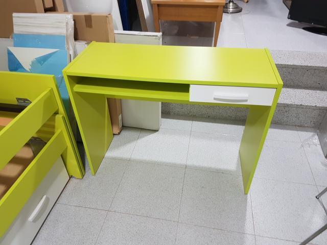 Mesa escritorio juvenil nueva